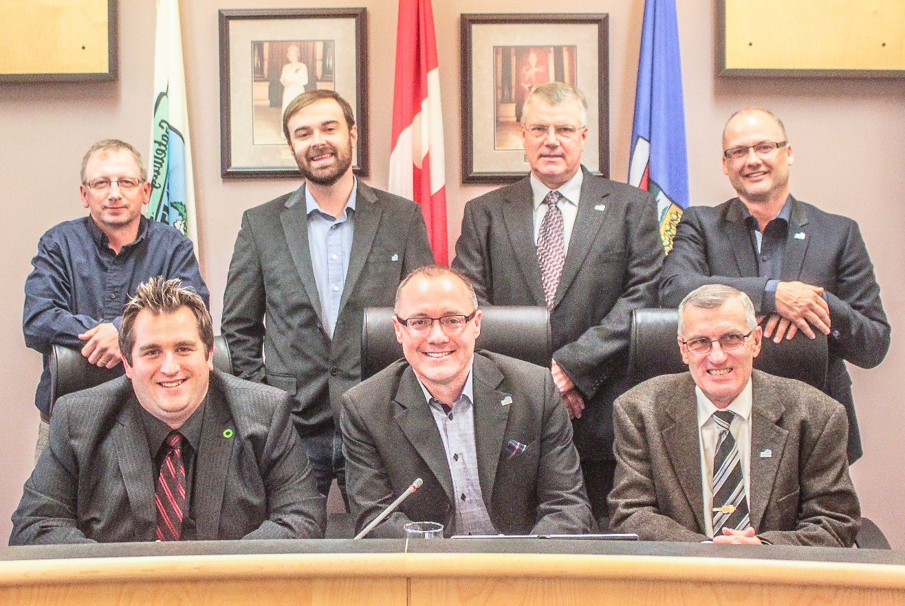 2014 Council (Group) Swearing In.jpg